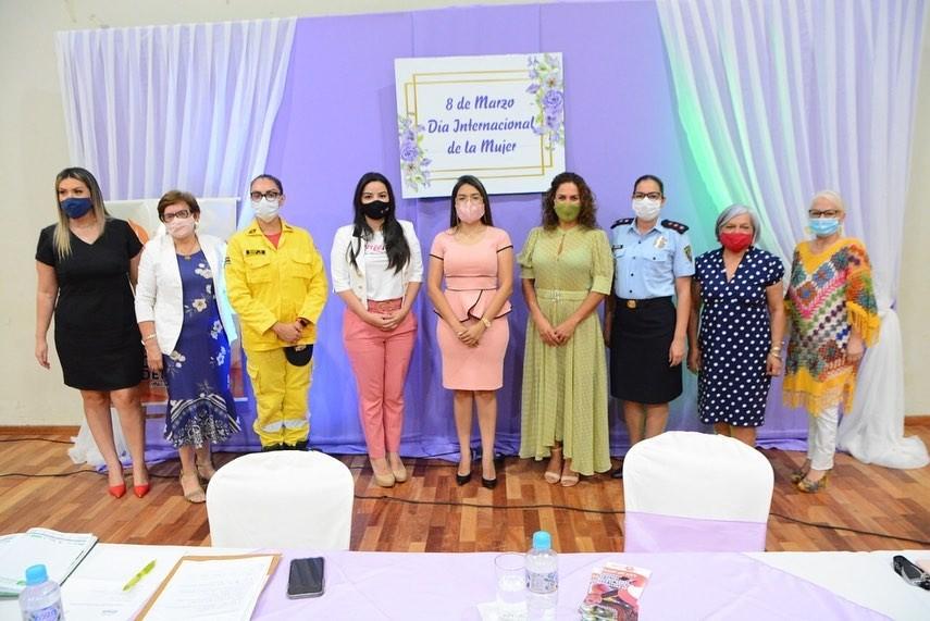 Municipalidad de Ciudad del Este, brindó un homenaje a las mujeres por el Día Internacional de la Mujer